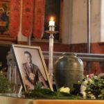 Galerii: Karl Ristikivi urn sängitati kodumulda – Lääne Elu